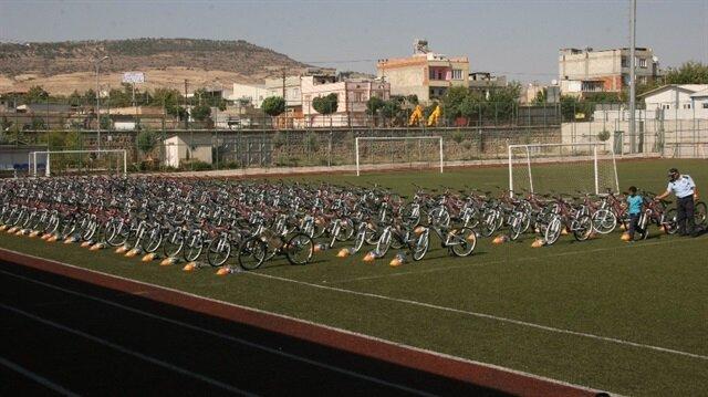 Kilis'te çocuklar bayrama bisiklet sevinciyle giriyor