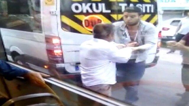 Şoförlerin falçata ve kemerli kavgası kameraya yansıdı