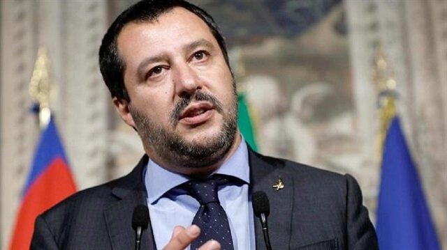 إيطاليا تمنع مهاجرين من النزول على أراضيها