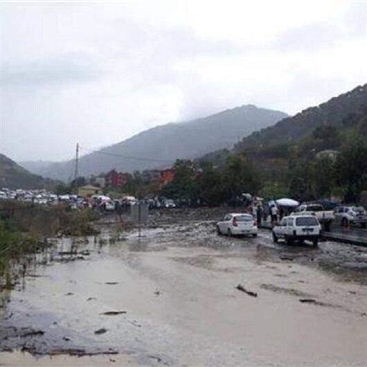 Trabzon'u sağanak yağış vurdu