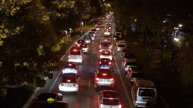 Kurban Bayramı tatilini şehir dışında geçiren İstanbullular, dönüşü son güne bırakmayıp erkenden yollara çıktı
