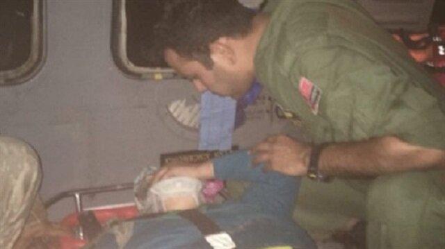 Malatya'da düşen kadını askerler kurtardı