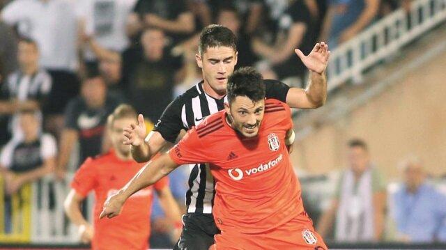 Beşiktaş gruplara kalmak için tur şansını İstanbul'daki rövanş maçına bıraktı.