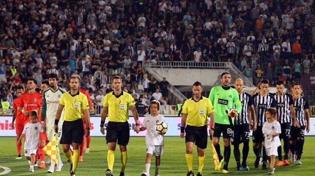 Partizan taraftarları Beşiktaş'ın atığı gol sonrası büyük üzüntü yaşadı.