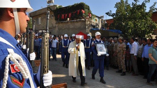 Gaziantep'in İslahiye ilçesine bağlı Yeniceli Mahalle Camii'nde cenaze töreni düzenlendi.