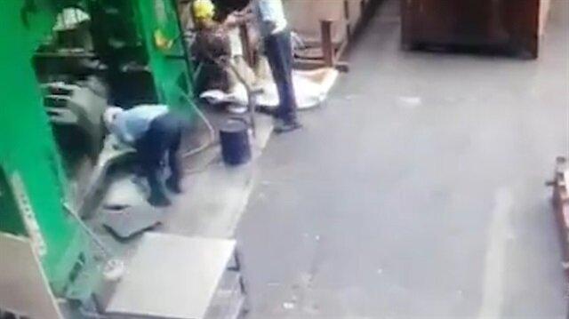 Kafasına demir düşen işçi ölümden döndü