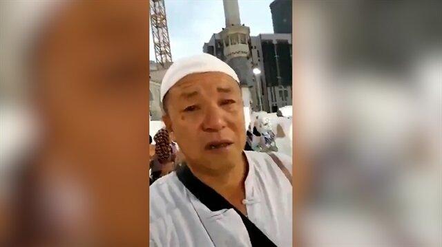 Mescid-i Haram'dan ayrılan Çinli hacılar gözyaşlarına boğuluyor