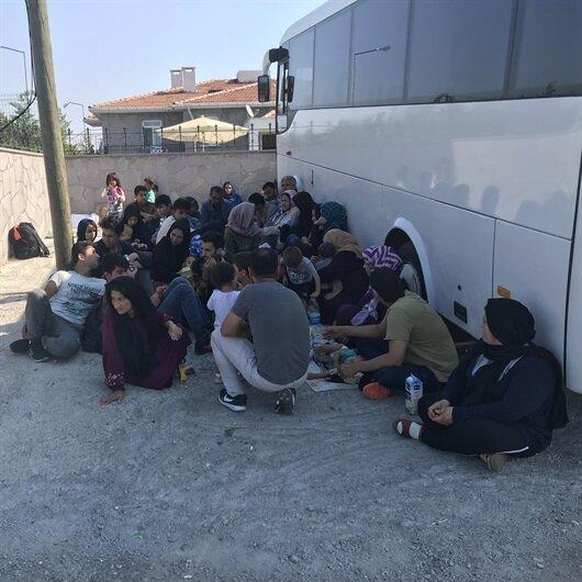 İzmir'de 23 düzensiz göçmen yakalandı