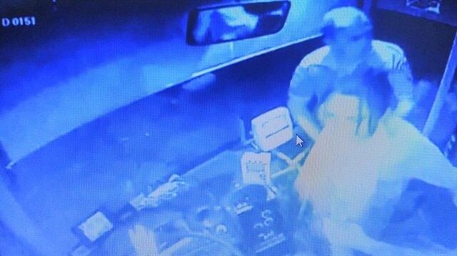 Şoför, yardımcı olmak istemesine rağmen kendisini darbeden kadından şikayetçi oldu.