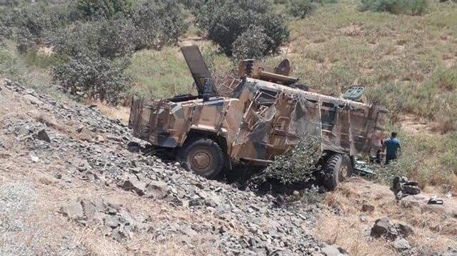 """""""Kirpi"""" tipi zırhlı aracın virajı alamayarak devrildiği belirtildi."""
