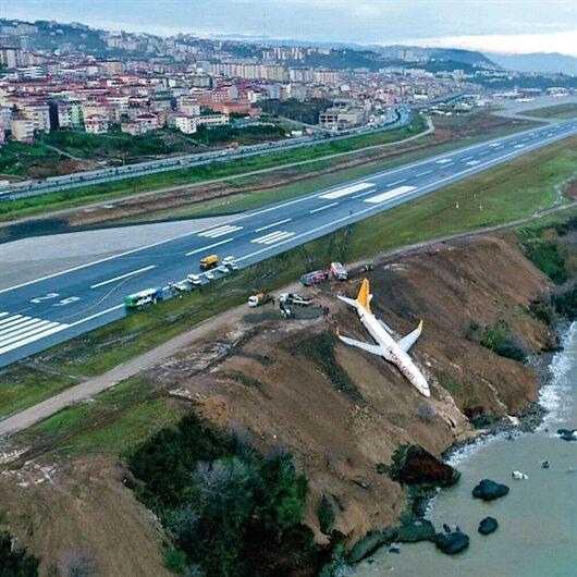Pistten çıkan uçak için 'millet kıraathanesi' talebi