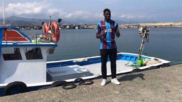 Trabzonspor Ekuban'la sözleşme imzaladı