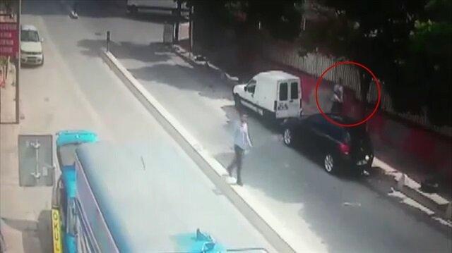 Güpegündüz yaşanan silahlı saldırı kamerada
