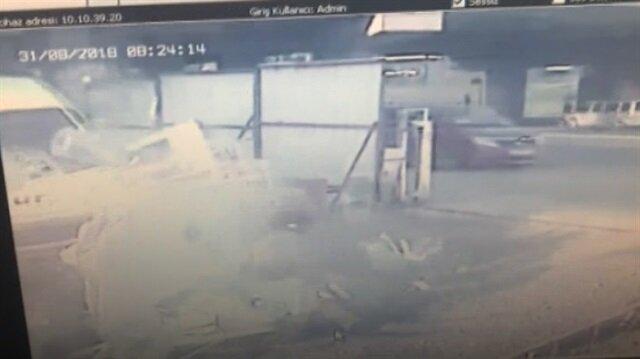 Sürücüsünün uyuyakaldığı servisin feci kazası
