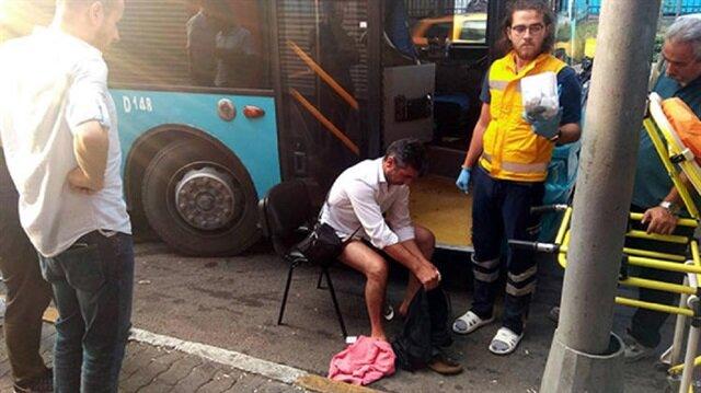 Akbilsiz bindikleri otobüsün şoförünü bıçakladılar