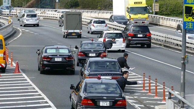 Japonya Başbakanı Abe'nin konvoyunda dikkat çeken detay