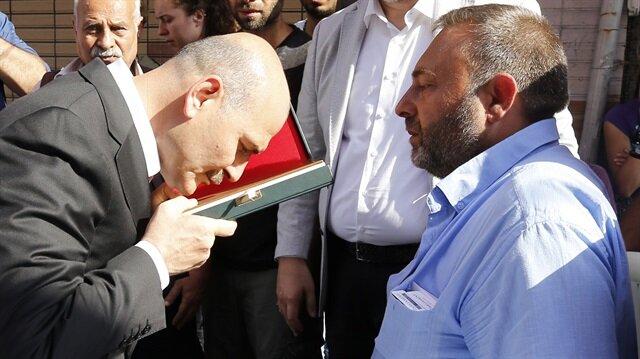 İçişleri Bakanı Soylu'dan şehidin ailesine taziye ziyareti