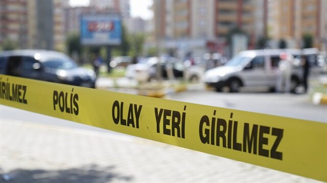 Olayın ardından bölgeye gelen polis ekipleri bölgede güvenlik önlemleri aldı.
