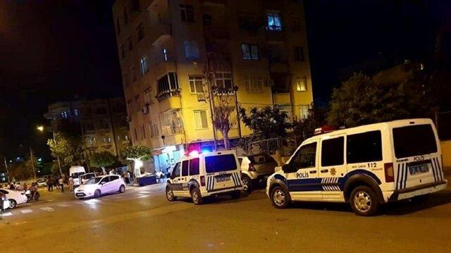 Çevredekilerin haber vermesi üzerine olay yerine polis ve 112 Acil sağlık ekipleri sevk edildi.
