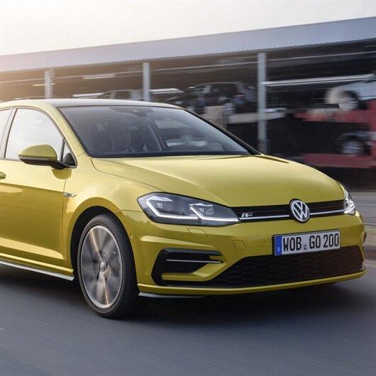 Yeni Volkswagen Golf'te düğmeler kalkıyor