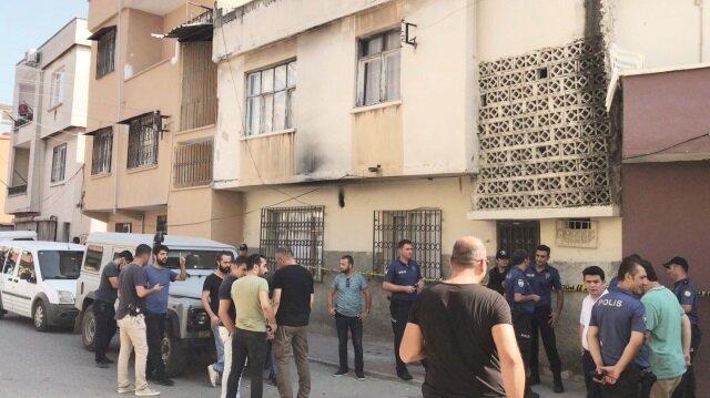 Mersin'de psikolojik sorunlar yaşayan Mehmet Kaya, iki katlı evin damında uyuyan eşi ve 3 çocuğunu tabancayla öldürdü.