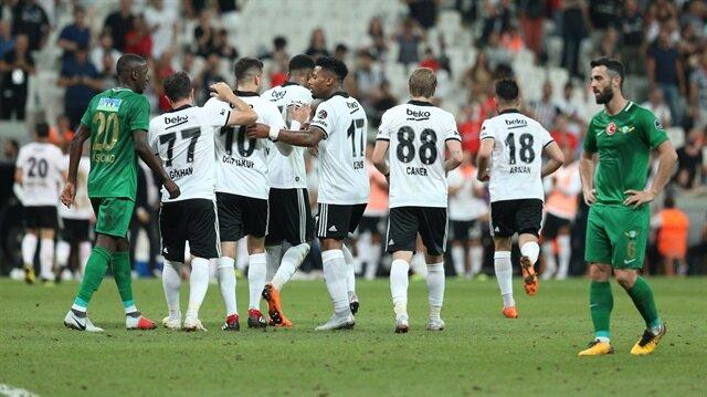 Beşiktaş'ın Avrupa kadrosu resmi siteden duyuruldu.