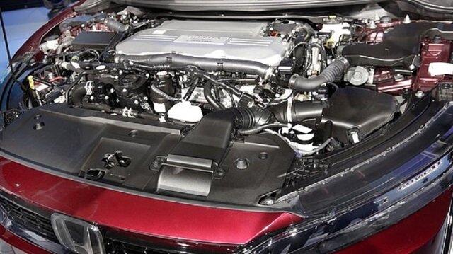 Hidrojen yakıt hücreli bir otomobilin motoru.