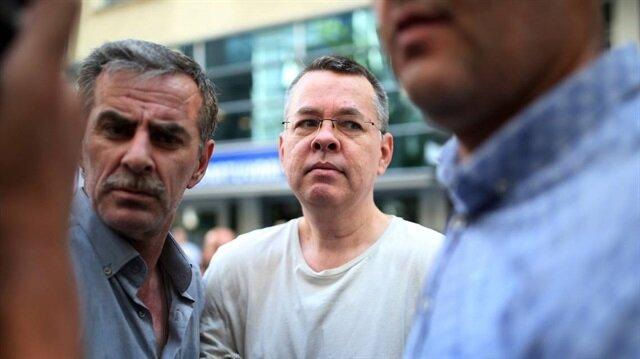 ABD'li Rahip Brunson, İzmir'de görülen davanın ardından ev hapsi cezasın verilerek cezaevinden çıkarılmıştı.