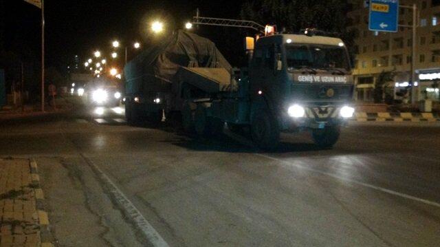 Mühimmat yüklü TIRlar ile zırhlı araçlardan oluşan konvoy Kilis'e ulaştı.