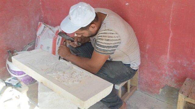 Amir Kavak Mardin'deki son taş işleme ustası olarak mesleği yaşatmaya çalışıyor.