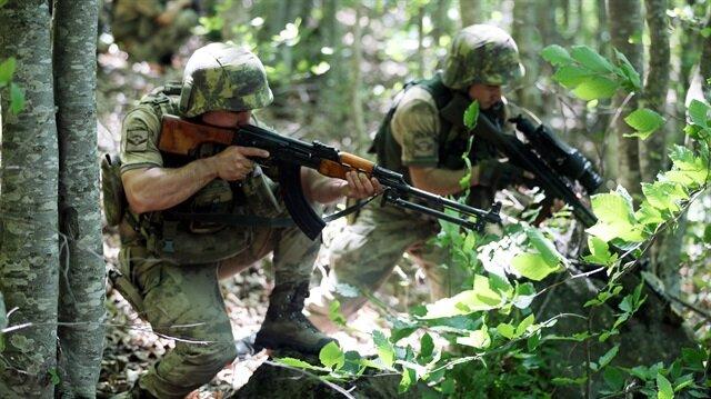 PKK'lı teröristlerin kullandığı sığınakta dikkat çeken detay