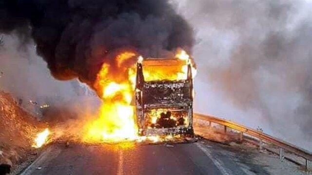Yolcu otobüsü seyir halindeyken alev alev yandı