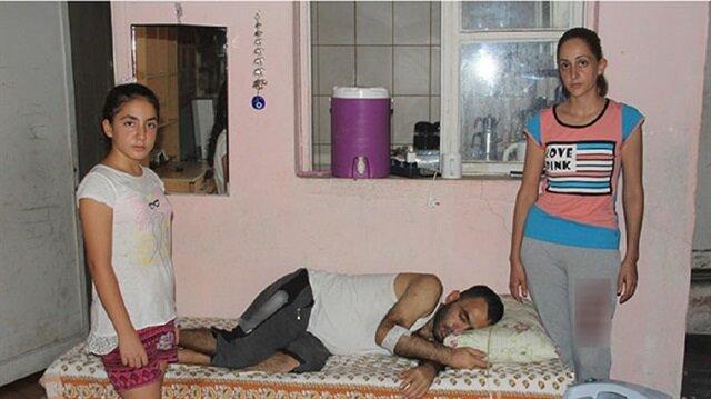 Karadağ, 24 saat oksijen makinesine bağlı baygın bir şekilde evde yatıyor.