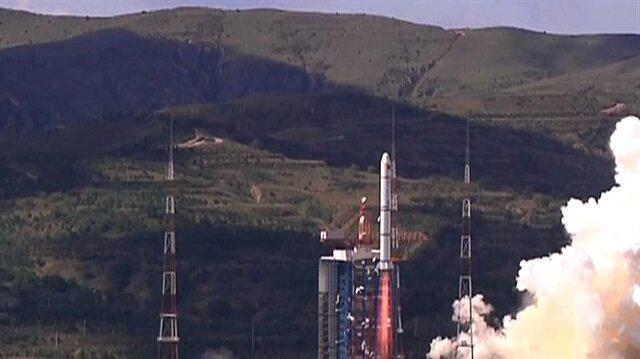Hayyang-1C uydusunu taşıyan roketin kalkış anı.