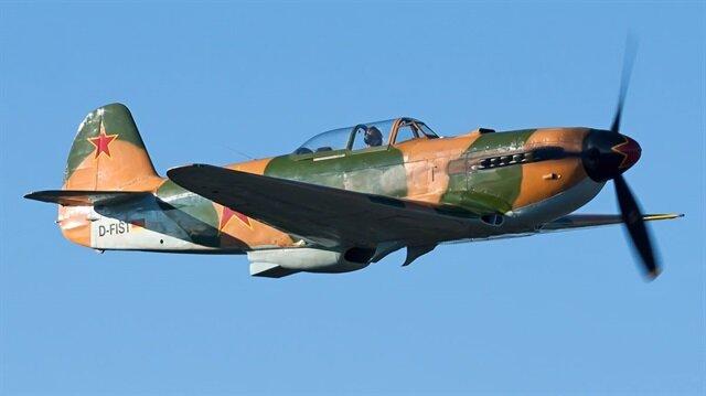 Düşen uçağın modeli Yakovlev Yak-9UM warbird