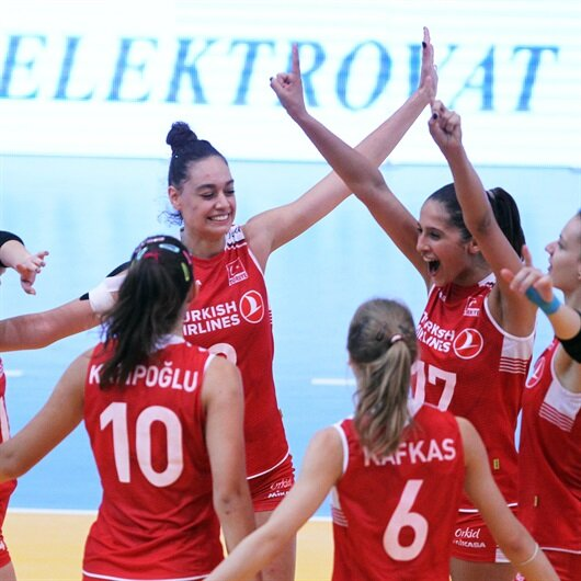 Turkey's U19 women reach semis in European Volleyball