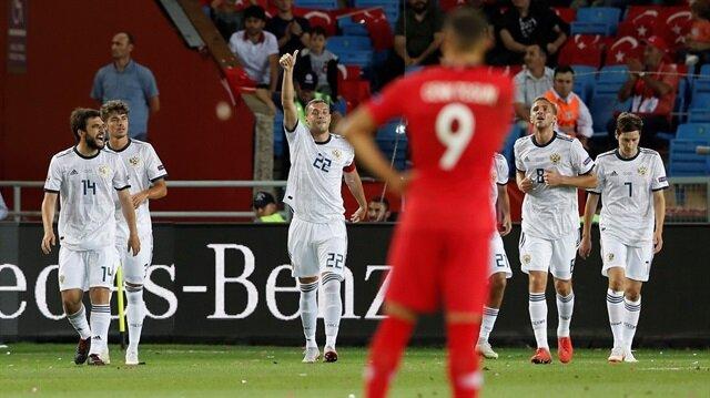 A Milli Futbol Takımımız, 7 buçuk yıl aradan sonra Trabzon'da oynadığı maçta Rusya'ya 2-1 mağlup oldu.