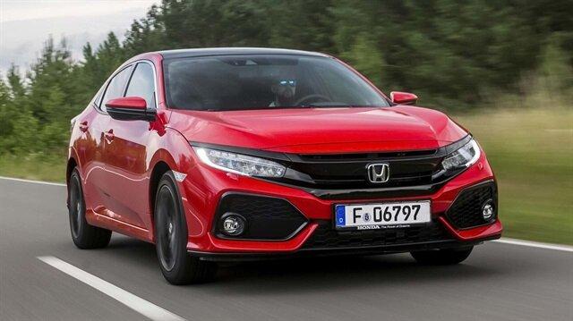 """1,5 lt 182 PS gücündeki motoru ile """"Türkiye'de üretilen en güçlü otomobil"""" olma unvanına sahip olan Civic Sedan RS ise müşterilerin yüksek performans taleplerini karşılıyor."""