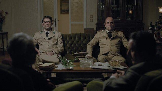 Anons filmi 1960'lı yıllarda ordudan tasfiye edilmiş dört eski askerin bir gece boyunca süren sıra dışı yolculuğunu konu alıyor