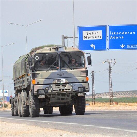 Sınırına askeri sevkiyat sürüyor