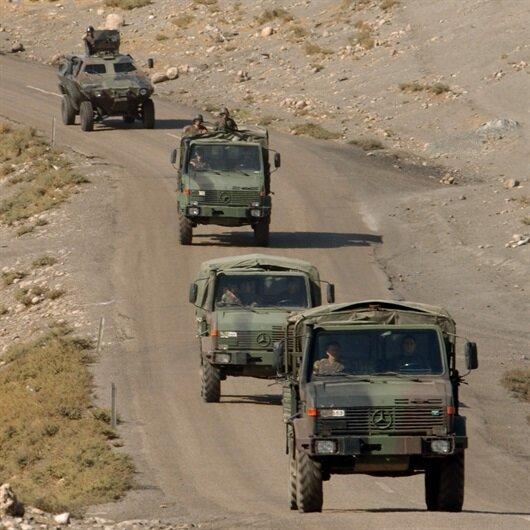 Askeri araç devrildi: 1 askerimiz şehit oldu