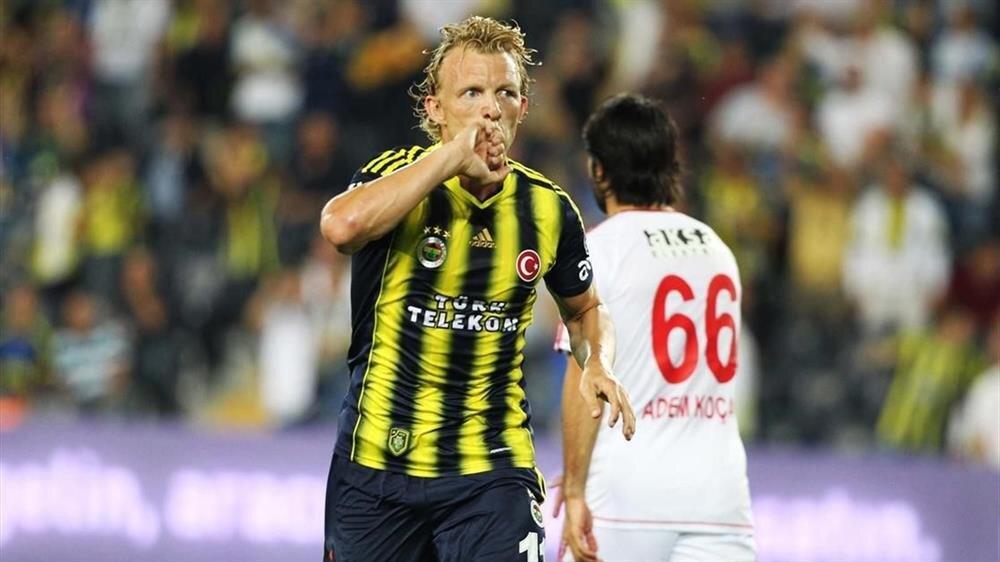 Kuyt, Fenerbahçe formasıyla çıktığı 130 maçta 37 gol atarken 28 de asist kaydetti.