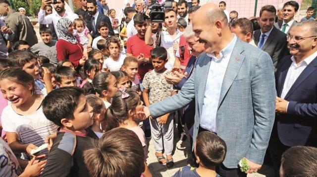 Esed rejimi ve destekçilerinin ülke genelindeki saldırıları ve zorunlu göçler nedeniyle İdlib yaklaşık 4 milyon sivilin sığındığı bir kent haline geldi. Saldırıların artması durumunda Türkiye ve Avrupa'ya doğru 2 milyonu bulabilecek yeni bir sığınmacı dalgasının başlamasından endişe ediliyor.