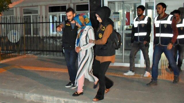 Torununu öldürdüğü gerekçesiyle aranan kadın, polis ekiplerince gözaltına alındı.