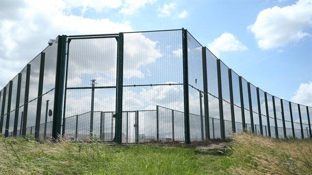 Belçika'daki düzensiz göçmenler, Steenokkerzeel'de bulunan göçmen merkezinde toplanacak. (Fotoğraf: AA)