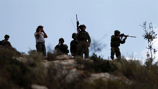 İsrail'den Gazzeli aktivistlere gerçek mermiyle saldırdı