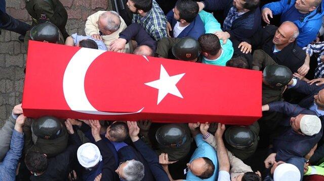 Hakkari'deki terör saldırısında yaralanan polis şehit oldu