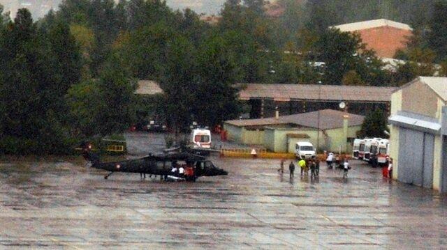 Kazanın ardından yaralanan polisler, helikopterlerle hastanelere taşındı.