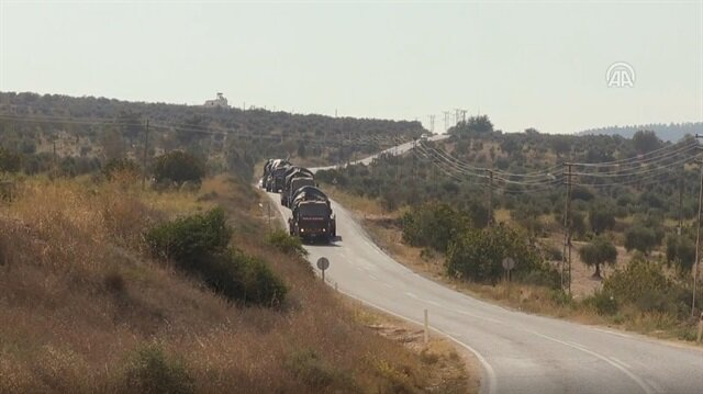 Turkey deploys military vehicles to Syria