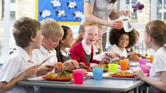 Çocukluk döneminde sağlıklı beslenme okul sürecinde ve ders başarısında da büyük önem taşıyor.